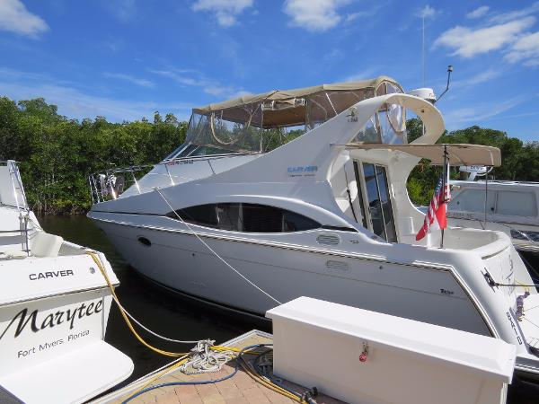 Carver 350 Mariner Portside View Sea Serenade
