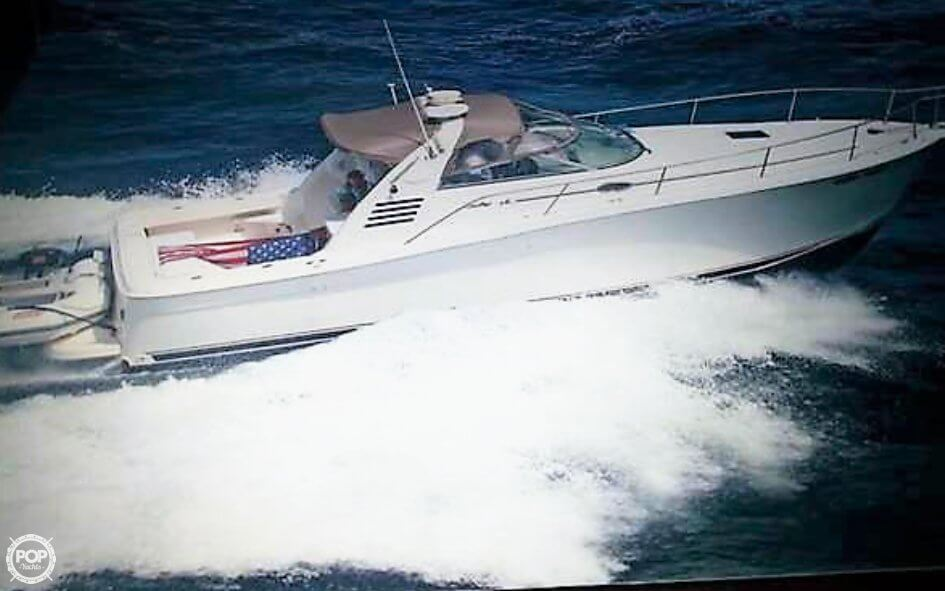 Sea Ray 330 Express Cruiser 1998 Sea Ray 330 EC for sale in Lindenhurst, NY