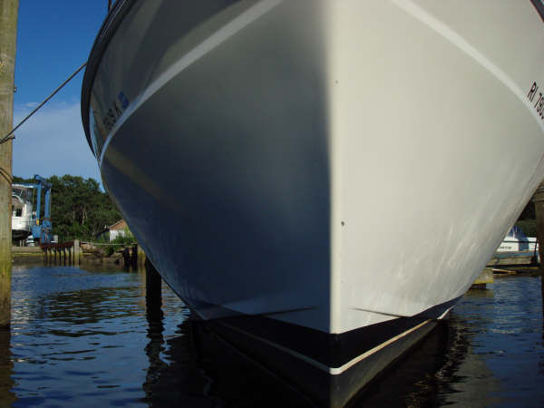 Clean Hull with Bow Thruster!