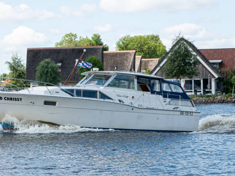 Chris Craft Commander 35 Salon
