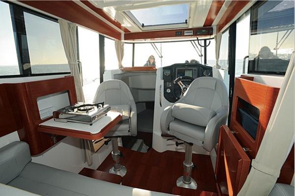 Beneteau Barracuda 9 Flybridge