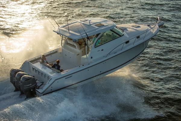 Pursuit 385 Offshore