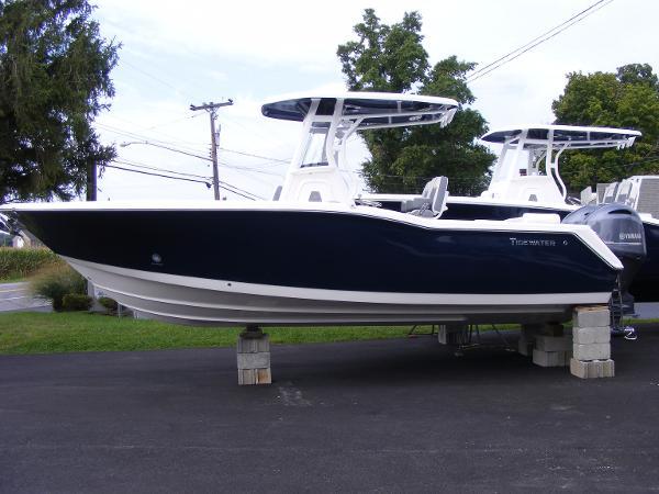 Tidewater Boats 252 LXF