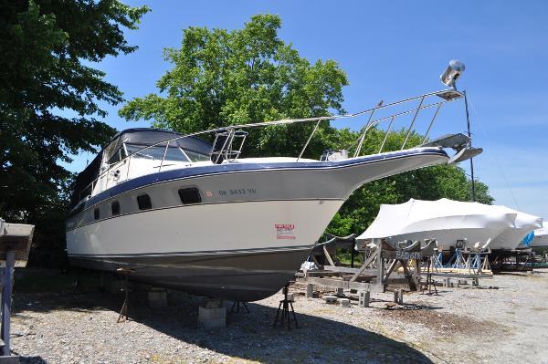 Cruiser's Inc 3370 Esprit Starboard/Bow