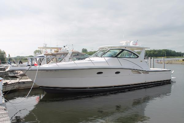 Tiara 4200 Open Port Bow