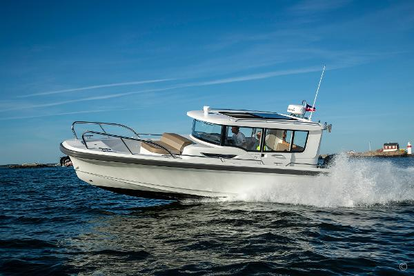 Nimbus Commuter 9 Grosvenor Yachts - Nimbus Commuter 9 yacht for sale in London and the United Kingdom