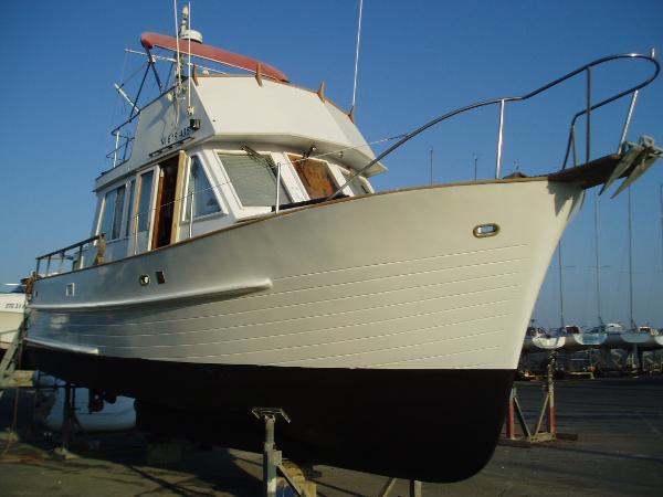 Halvorsen Marine Island Gypsy 30
