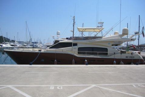 Ferretti Yachts Altura 690 Ferretti 690 Altura