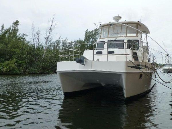 Endeavour Catamaran TrawlerCat 40 Profile_Bow_Sistership
