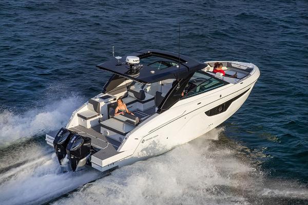 Cruisers Yachts 34 GLS