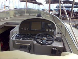 Offshore Cruiser 46 - Helm