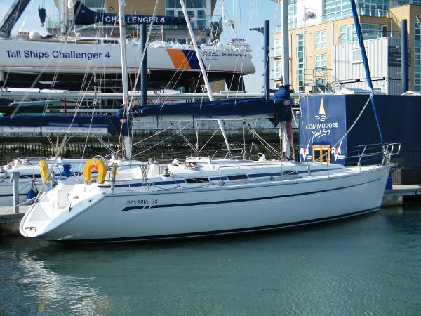 Bavaria 38 stbd side