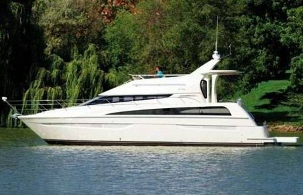 Carver 440 Aft Cabin Motor Yacht Photo 1