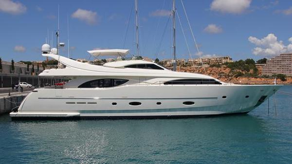 Ferretti Yachts 94 Custom Line Ferretti Yachts 94 Custom Line