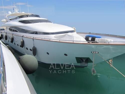 Maiora 38 DP Maiora 108 - Luxury Motor Yacht