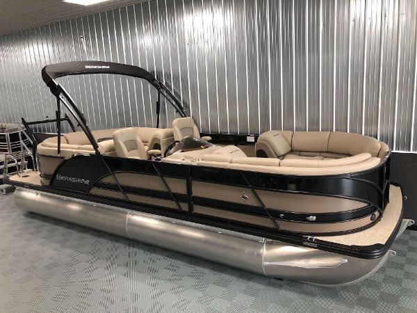 Berkshire 23RFX STS Luxury Tritoon
