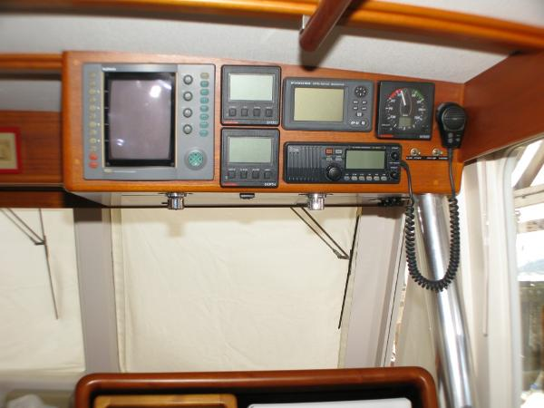 Overhead Instrument Console