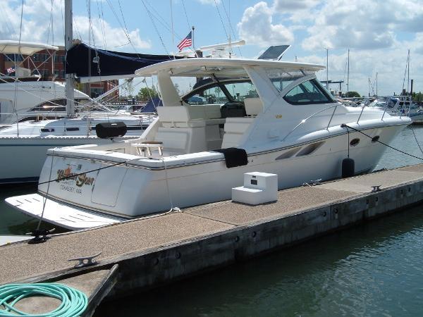 Tiara 3800 Open Dockside