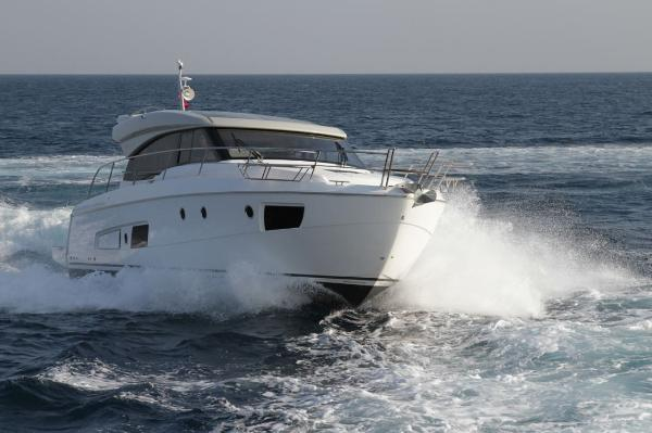 Bavaria Virtess 420 Coupe Hull