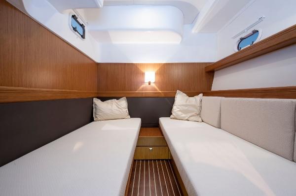 Bavaria Sport 44 HT Twin Cabin