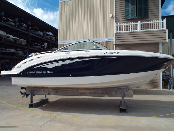 Chaparral 224 Sunesta Starboard Profile 1
