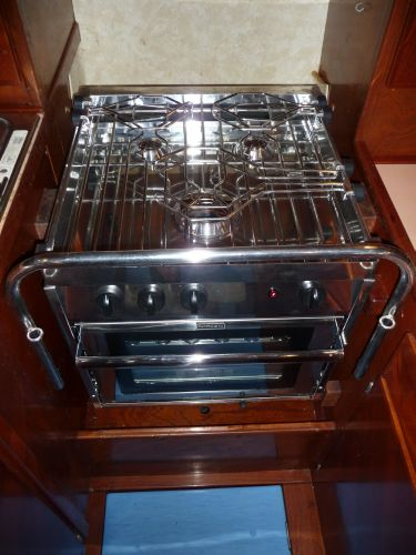 Brand new Force 10 3 burner stove and oven