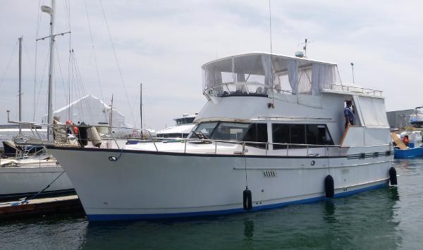 Sea Ranger Motor Yacht - Aft Cabin