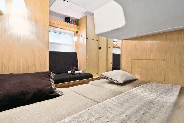Bavaria Sport 35 HT Cabin