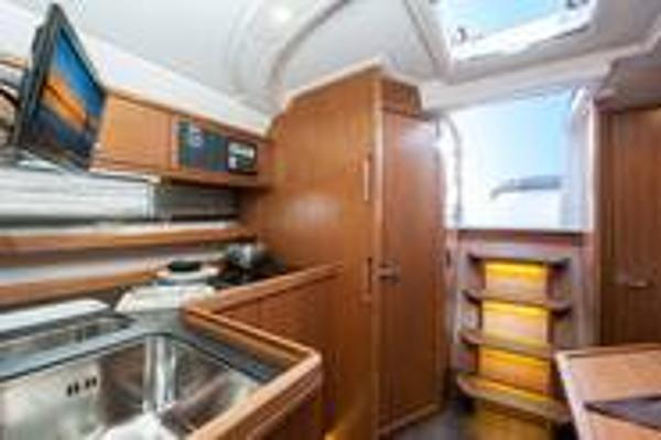 Bavaria Sport 35 Galley