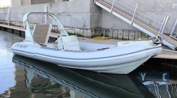 Custom Tri Marin 770 Trimarin3