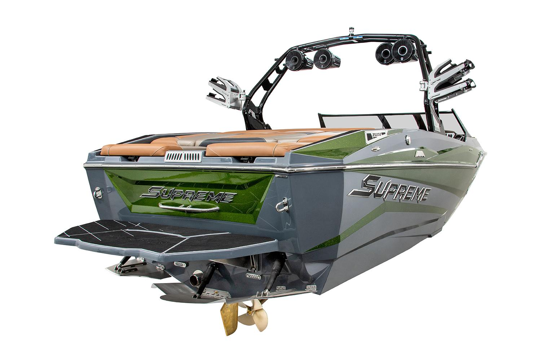 Supreme Boat image