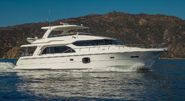 Hampton 650 Pilothouse Starboard Aerial