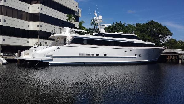 DENISON Raised Bridge Motor Yacht