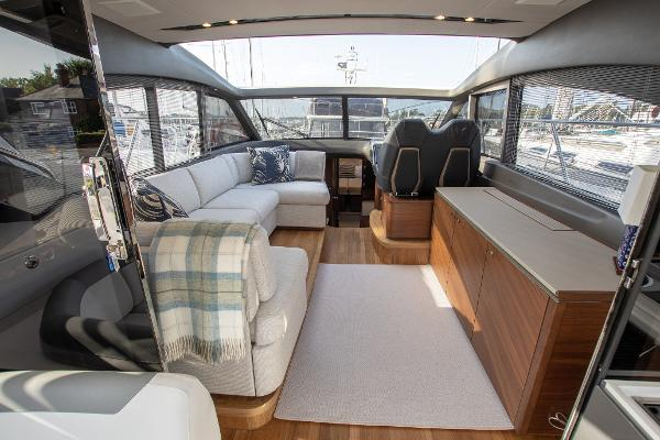 Princess V50 - Deck Saloon