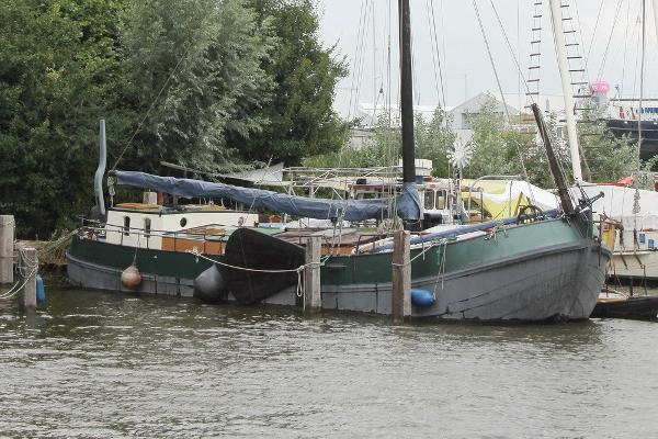 Custom Dutch sailing barge