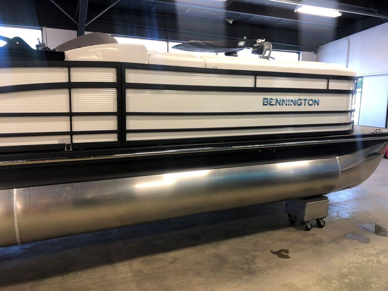 Bennington 25RSB