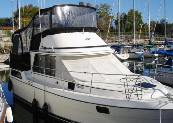 Prowler 10m Sundeck Starboard Profile