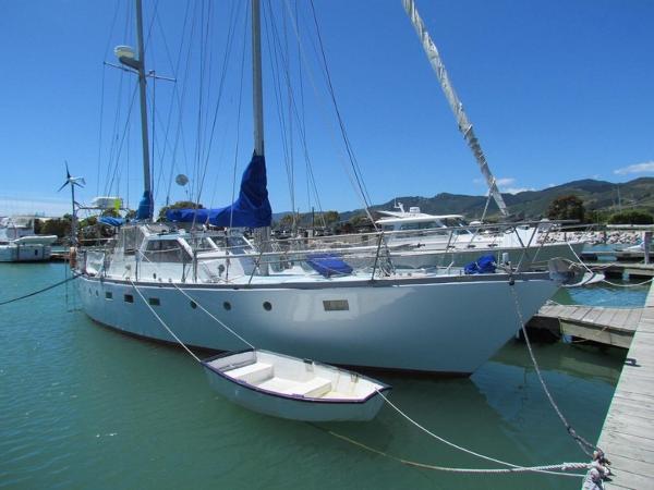 HARTLEY Fijian At berth