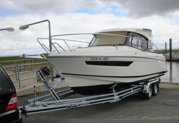 Parker 750 Cabin Cruiser