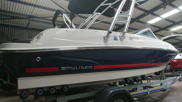 Bayliner 175 Flight