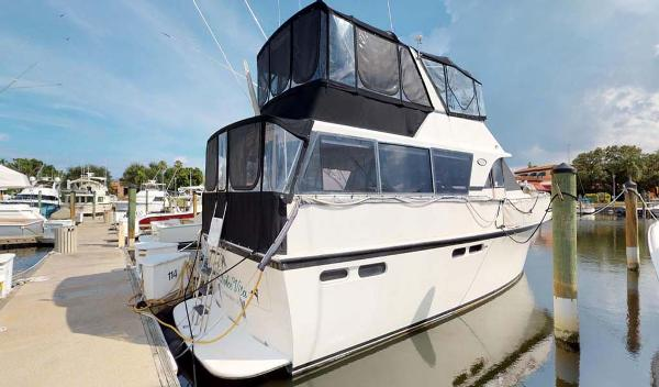 Ocean Yachts 48 Motoryacht Profile
