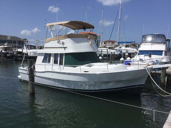 Mainship 390 Trawler Profile