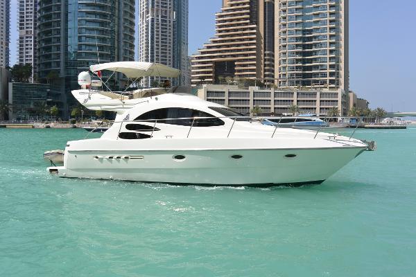 Azimut 39 Motor Yacht