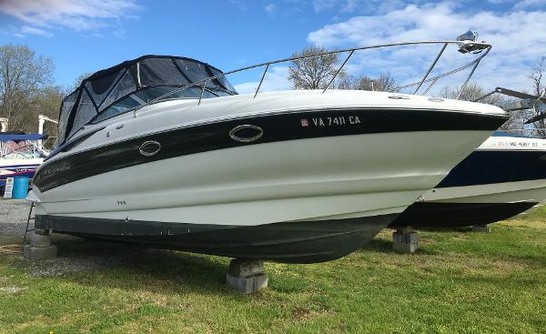 Crownline 270 CR Starboard Bow