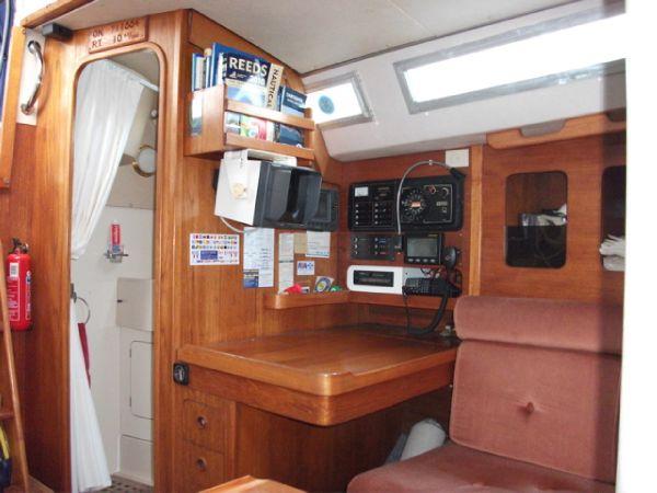 Navigation table & heads door.