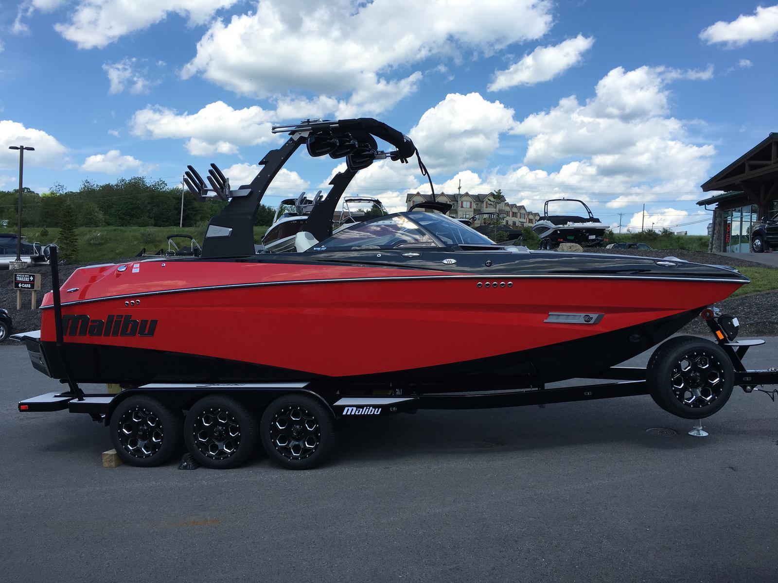 Malibu Boats LLC M235
