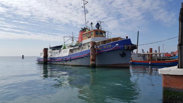 """Tugboat CNOM-RIMORCHIATORE """"MAXIMUS"""""""