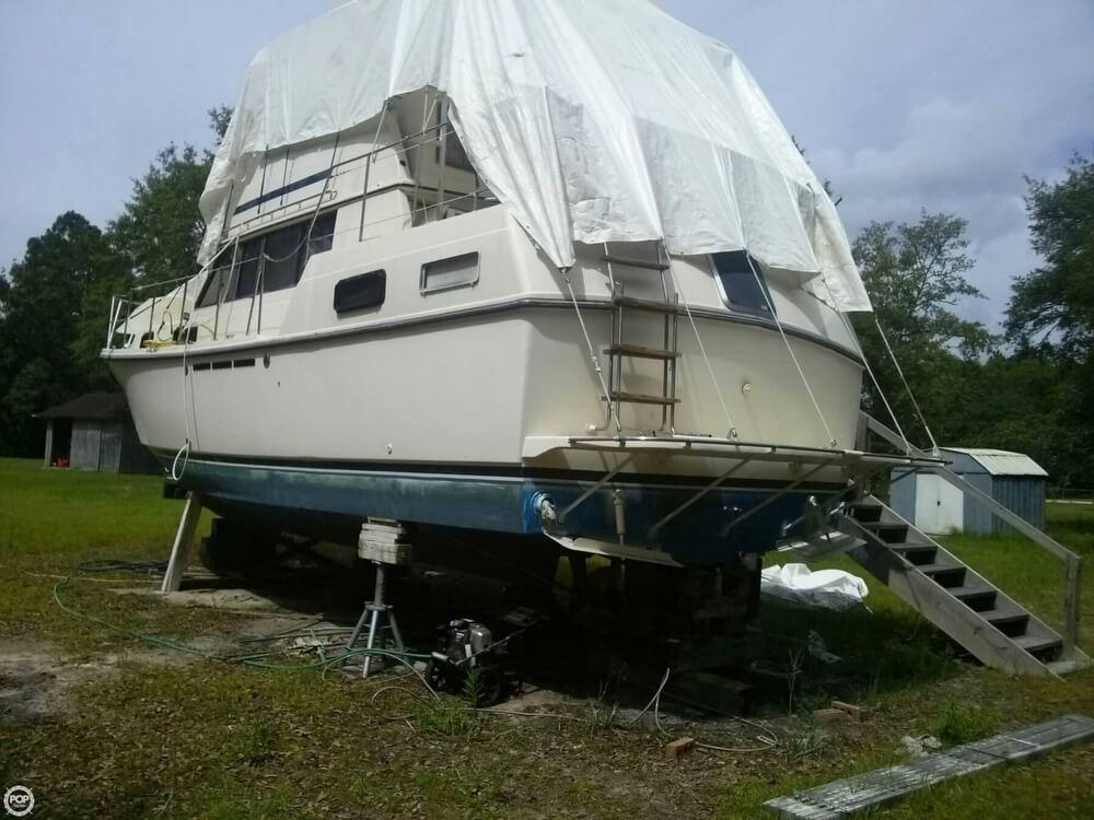 Carver 3607 Aft Cabin Motoryacht 1985 Carver 3607 for sale in Wewahitchka, FL