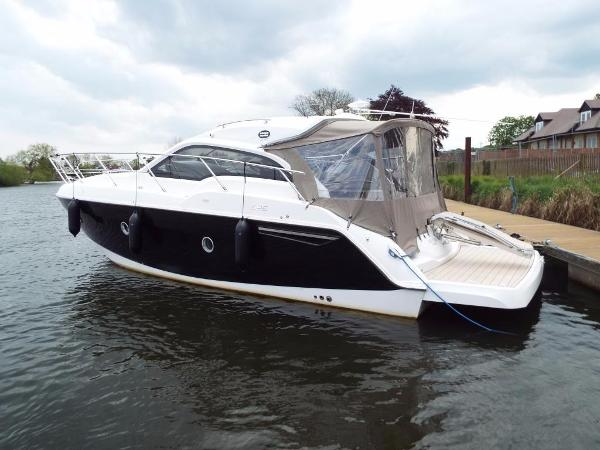 Sessa Marine C35 HT Sessa C35 - On the Water