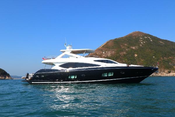 Sunseeker 88 Yacht Sunseeker 88 - Profile